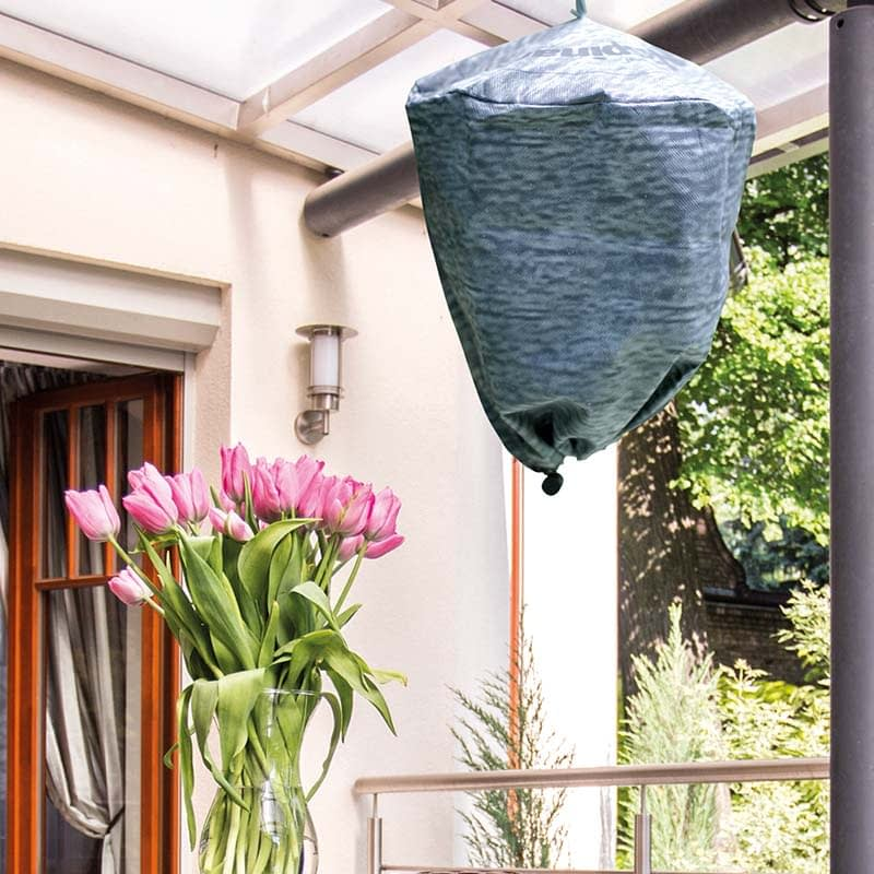 Deter wasps from your garden, poison free, no mess, no dead wasps, Ultimate Wasp repellent